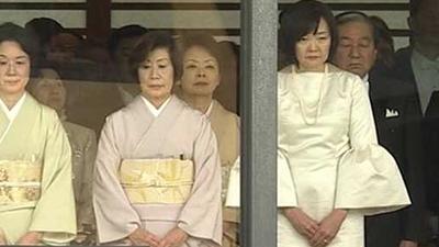昭恵夫人ファッション|即位礼正殿の儀のドレスのブランドは